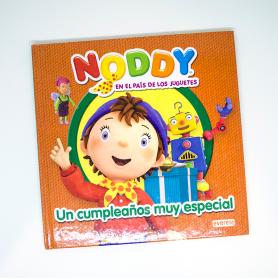 Libro de Noddy en el país de los juguetes.