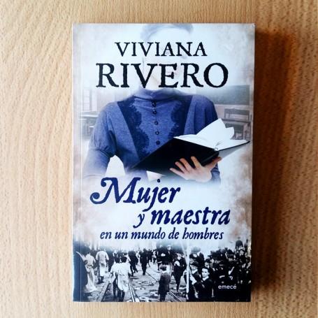 Mujer y maestra Viviana Rivero